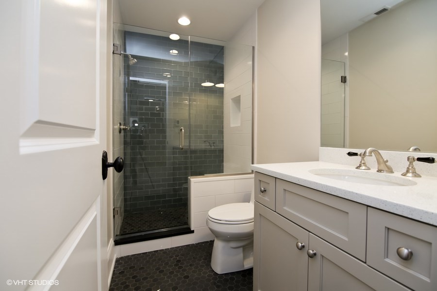 Bathroom Kitchen Remodeling Renovation Room Addition Glenview - Bathroom remodeling northbrook